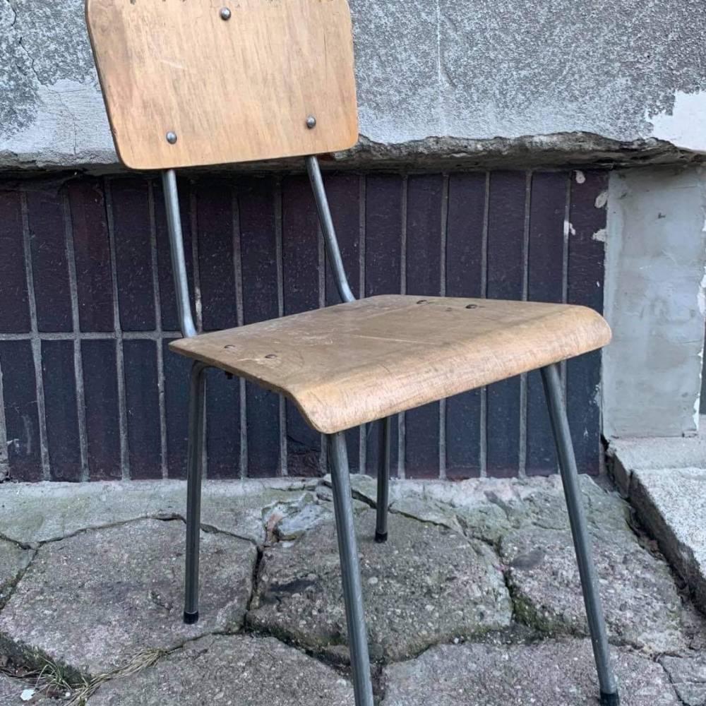 """Krzesełko """"szkolne"""""""